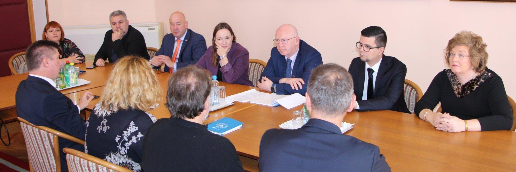 Predstavnici parlamenta Irske u posjetu Rektoratu Sveučilišta u Osijeku